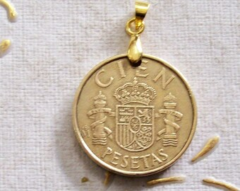 Vintage Spanish Coin Pendant, Genuine 100 Pesetas 1982 coin. Spain. Coat of arms. Francisco Franco. 35th birthday, 35th Anniversary. art 290