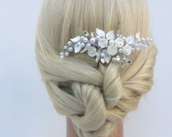 Crystal And Pearl Floral Bridal Hair Comb, Wedding Hair Comb, Wedding Headpiece, Bridal Hairpiece, White Floral Hair Comb