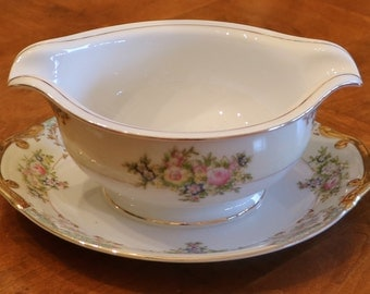 Meito China (Japan) Hand-Painted Vintage China Pattern MEI597 Double-Spouted Gravy Boat With Attached Underplate