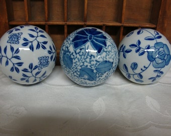 Blue Porcelain Decorative Balls (3)