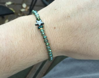Green Glass & Hematite Star Bracelet