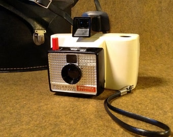 Vintage Polaroid Swinger - Model 20 - With Carry Case - Classic