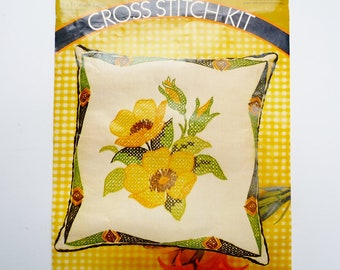 "Yellow Wild Roses Pillow Cross Stitch Kit by Pauline Denham 14"" x 14"", Linen Fabric Wool Yarn 1973 NO CORDING TRIM"