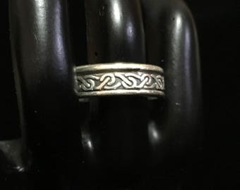 Vintage 925 Silver Celtic Gaelic Spinner Ring (ABX1B)