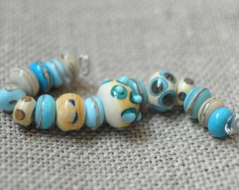 Handmade Glass Lampwork Bead - 16 Beads Set