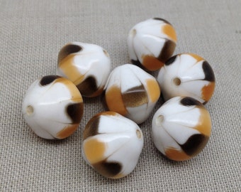 10 Vintage Golden Caramel White Metallic Lucite Beads 14mm