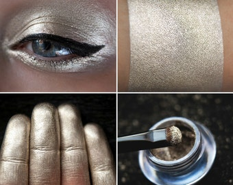 Eyeshadow: Impartial - Mountain Thorp. Platinum metallic eyeshadow by SIGIL inspired.