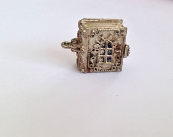Vintage Nuvo 1960s 925 Silver Opening Holy Bible Charm. Vintage Religious Charm.