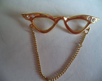 Vintage Unsigned Goldtone/Rhinestone Glasses with Chain Brooch/Pin