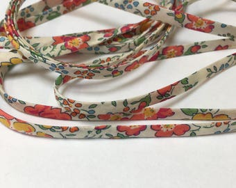 Long Necklace of Liberty Lawn