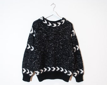 on sale - speckled black & cream chunky knit / loose abstract pullover sweater / size L / XL