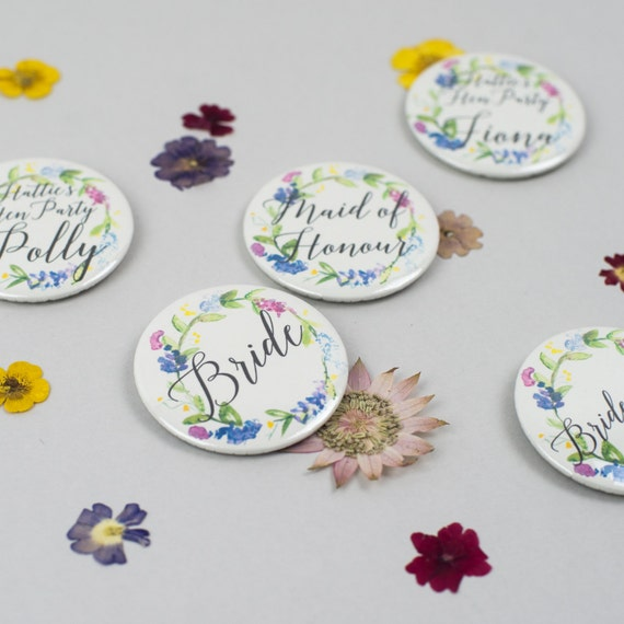 Classy Hen Party Accessories - Personalised Floral Wreath Hen Party Badges - Vintage Style Hen Party Accessories - Bachelorette Hen Do Bridal Shower