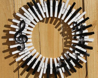 Music Wreath, Piano Keys Wreath, Musical Notes, Treble Clef, Clothespin Wreath, Quarter Note, Music Home Decor, Clothespin Wreath