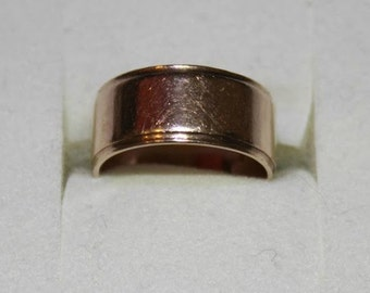 9ct yellow gold wedding band London 1977