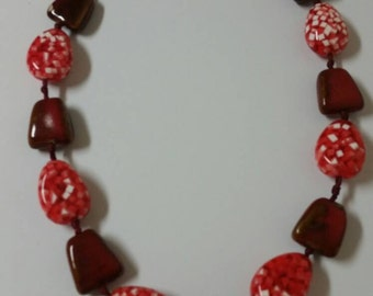 Large Chunky Red, White and Maroon Glass Bead 40 inch Necklace Costume Jewelry Fashion Accessory