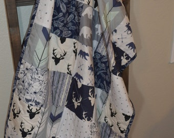 baby quilt / boys quilt / modern woodland / navy and gray