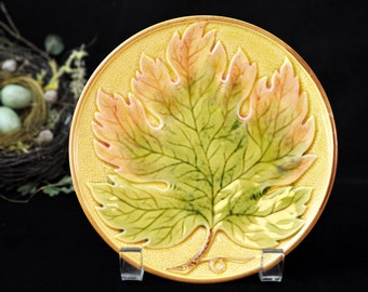 Majolica Green Leaf Plate, Fabulous Colors, Vintage majolica, Germany, majolica pottery, Vibrant, #1579
