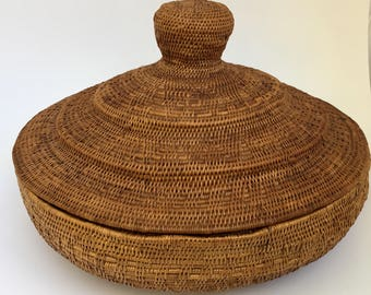 Antique LOMBOCK WOVEN BASKET - Ca. 1920