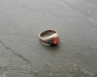 Vintage Boho, Classic, Hand Made, Sterling Silver Dome Ring With A Rich Red, Oval, Domed, Carnelian Gemstone In Ladies Size 6