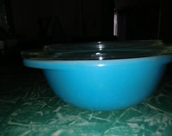 Pyrex Canada Horizon Blue   080 with Lid******Free Shipping