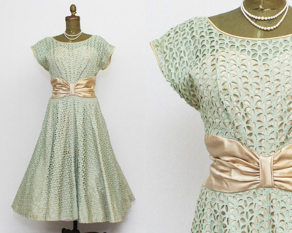 50s Seafoam Green Eyelet Lace Dress - Size Large Vintage 1950s Fit and Flare Dress