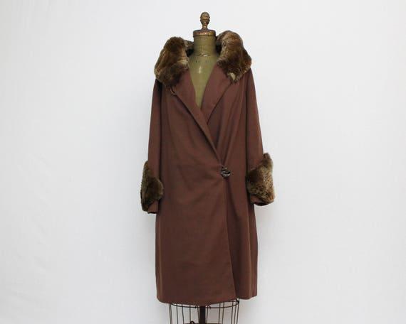 1920s Fur Trim Brown Wool Coat - Vintage 20s Flapper Era Winter Jacket