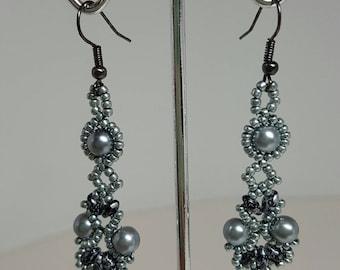 Fun dangley earrings in shades of grey