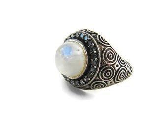 Moonstone ring Rainbow moonstone Silver tone ring Bold ring Blue crystal ring Silver blue ring Boho jewelry for girlfriend Moonstone jewelry