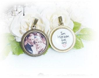 Memorial.Personalisierter bridal bouquet pendant, double