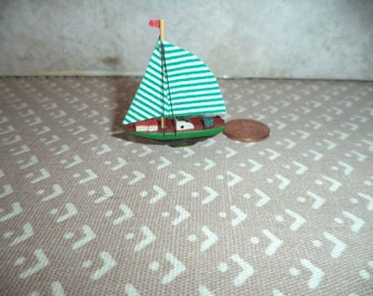 1:12 scale Dollhouse Miniature Sail Boat