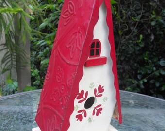 Vintage Metal Roof Birdhouse Display Birdhouse