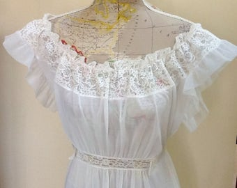 Vintage Bridal Night Gown / Lingerie /  SZ 36 / Retro / Shower Gift / By Kaser / Mid Century / Lace & Ruffles