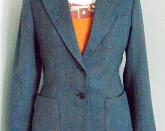 Womens Silk Peak Lapel Jacket.