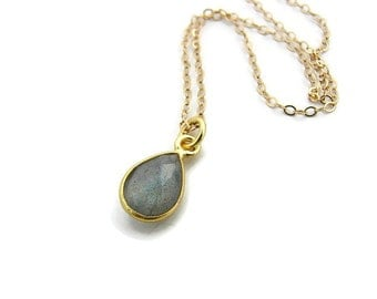 Labradorite necklace for women Gold bezel stone necklace Everyday small necklace Labradorite pendant necklace Simple charm necklace gift