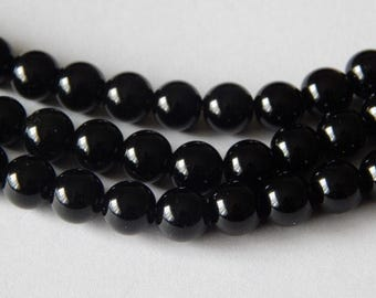 8mm Black Agate Rounds