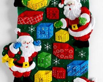 Bucilla Santa's Advent Calendar ~ Felt Christmas Kit #86685 Pockets, Candy, 2016 DIY