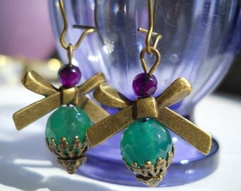 Bow earrings, faceted agate earrings, green agate, purple agate, dangling earrings, gemstone earrings, purple and green, antique brass
