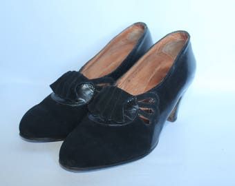 1930's or 1940's Black Suede and Leather Shoes - UK 2 or 2.5