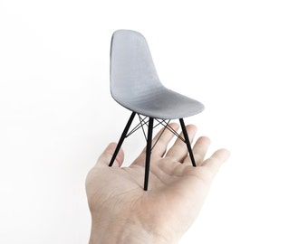 Eames DSW chair 1/6th