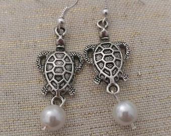 Sea Turtle Pearl Earrings