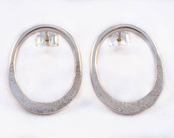 925 silver oval earrings / Silver jewelry / Forged and textured jewelry / Handmade jewelry / Made in Quebec