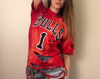 Upcycled Distressed Acid Wash 100 % Cotton Chicago Bulls T-Shirt Size M