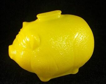 Vintage Anchor Hocking Yellow Piggy Bank, Pig Bank, Pig Coin Bank, Retro Savings Bank, Pig Collectible