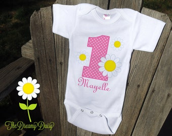 Personalized Daisy Birthday Bodysuit - Daisy Infant One Piece - Birthday Personalized Bodysuit or T-Shirt - Custom Baby Girl Daisies Outfit