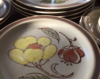 Vintage GRANADA Stoneware- Place Setting for 4
