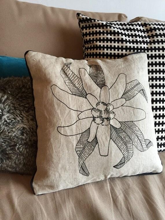 Black cushion EDELWEISS