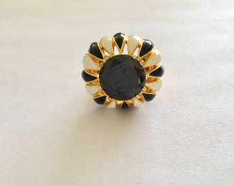 Vintage Onyx Gem Cocktail Ring