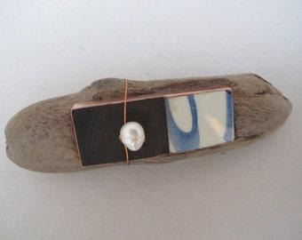 Driftwood broche