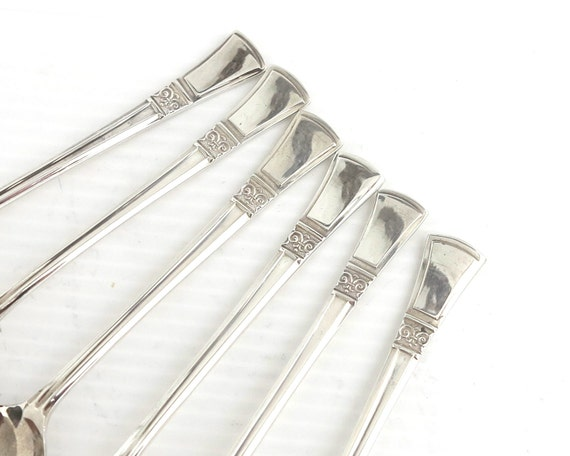 6 Art Deco silver plated teaspoons, Angora Silver Plate Co, England, handles with upturned ends and patterned band, circa 1930s