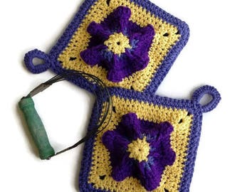 Potholders, Petunia Flower Vintage Style Pot Holders, Crocheted from Cotton Yarn- Super Thick, Housewarming Gift, Kitchen Decor/Gift for Her